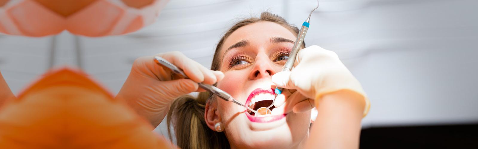 costo-del-tratamiento-de-limpieza-de-dientes-profundos-en-gurgaon-india
