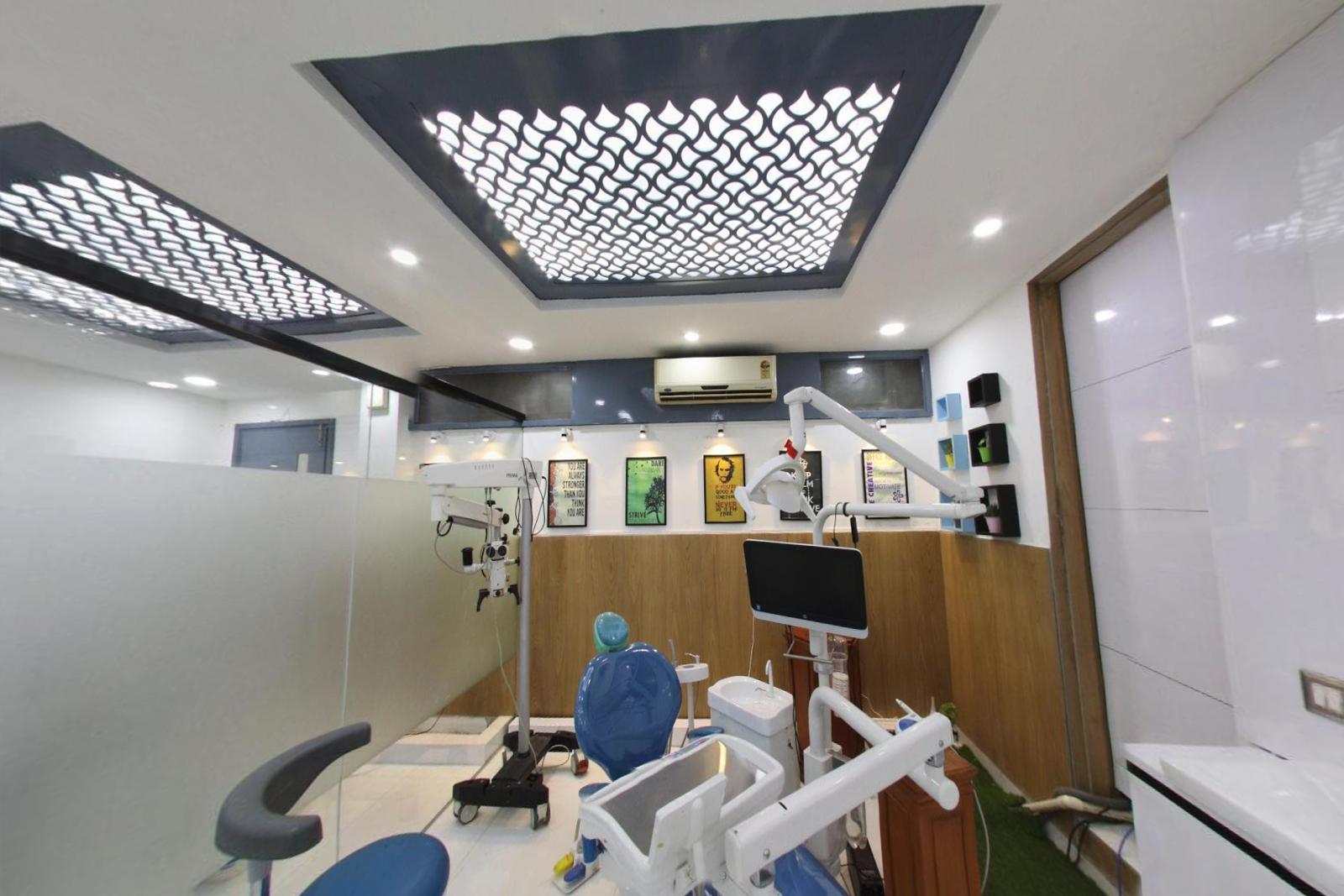 стоматологическая-клиника-в-дели